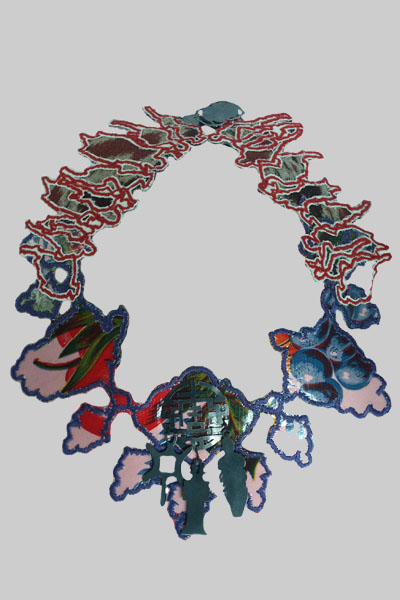 fabric art necklaces by Machteld van Joolingen